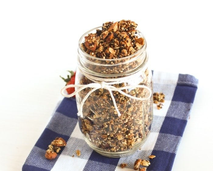 6-Ingredient Quinoa Granola