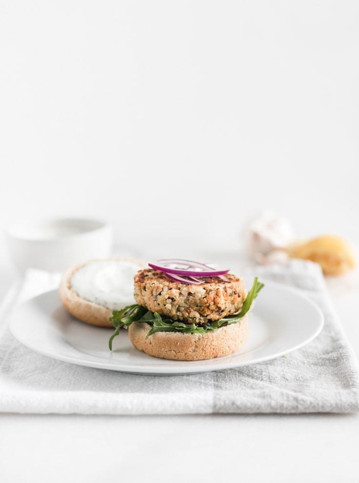 easy quinoa salmon burgers