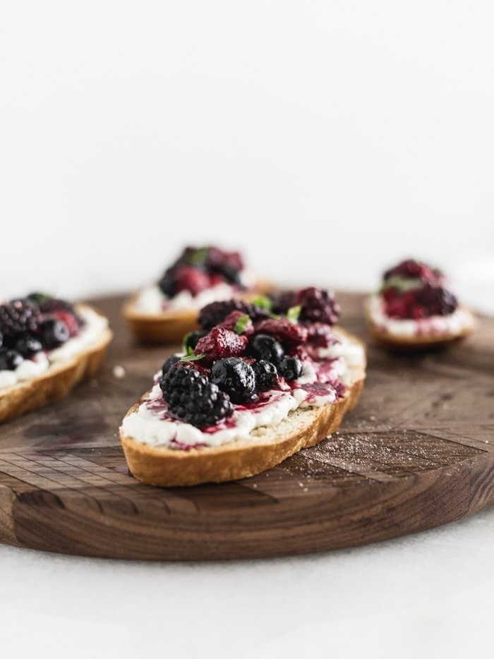 roasted berry burrata bruschetta