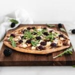 blackberry bbq chicken flatbread