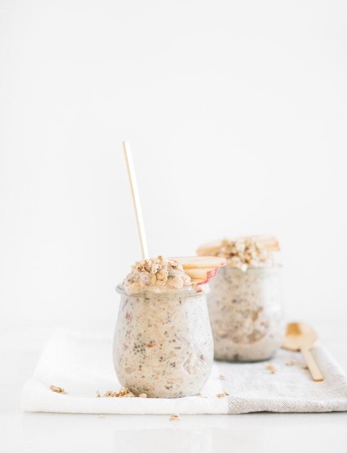 healthy easy apple pie overnight oats