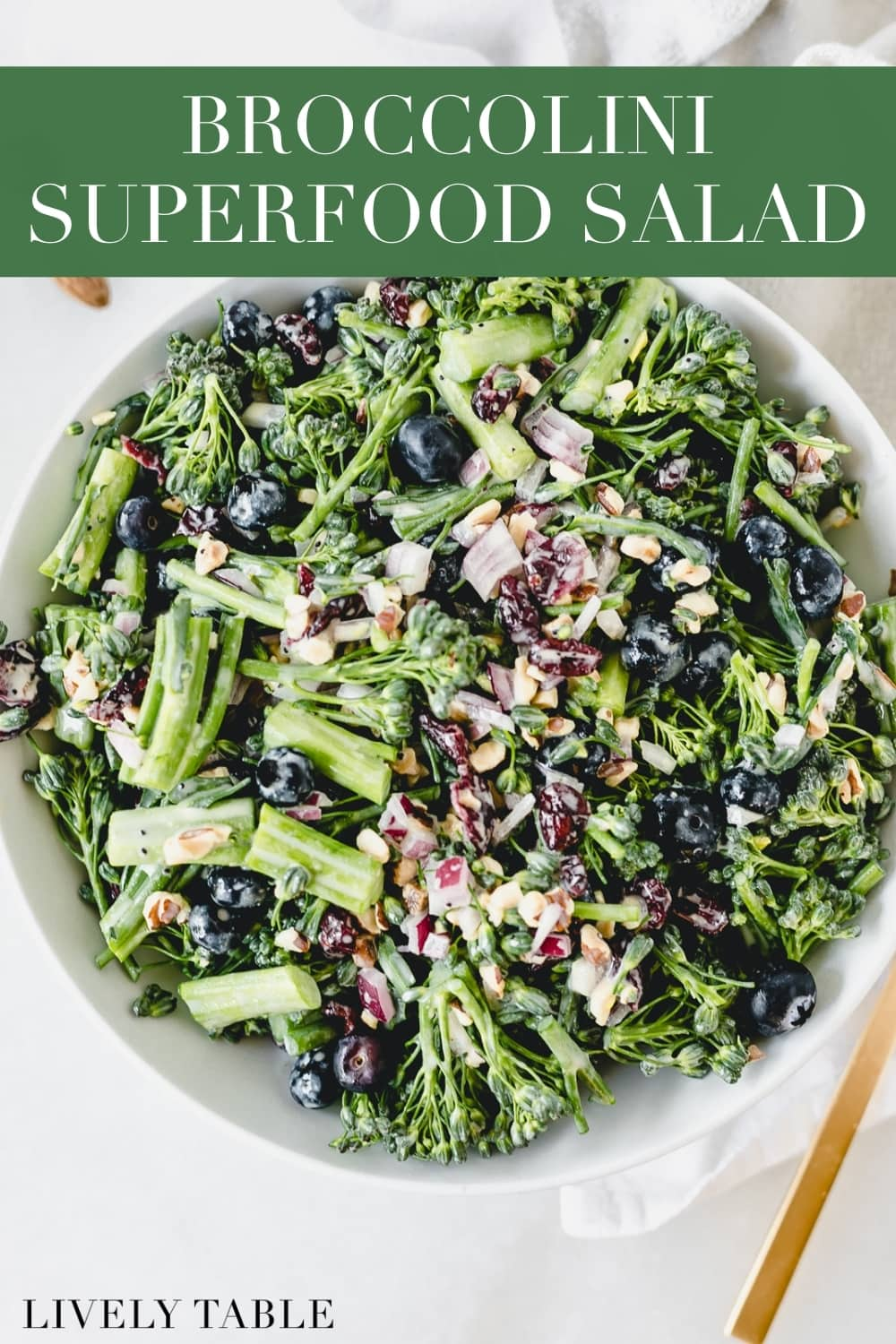 This fresh superfood broccolini salad is a delicious, antioxidant-packed side dish that is perfect for all of your summer meals and cookouts! #vegan #glutenfree #vegetarian #superfood #broccolini #salad #easymeal #easyrecipe #summerrecipe #almonds