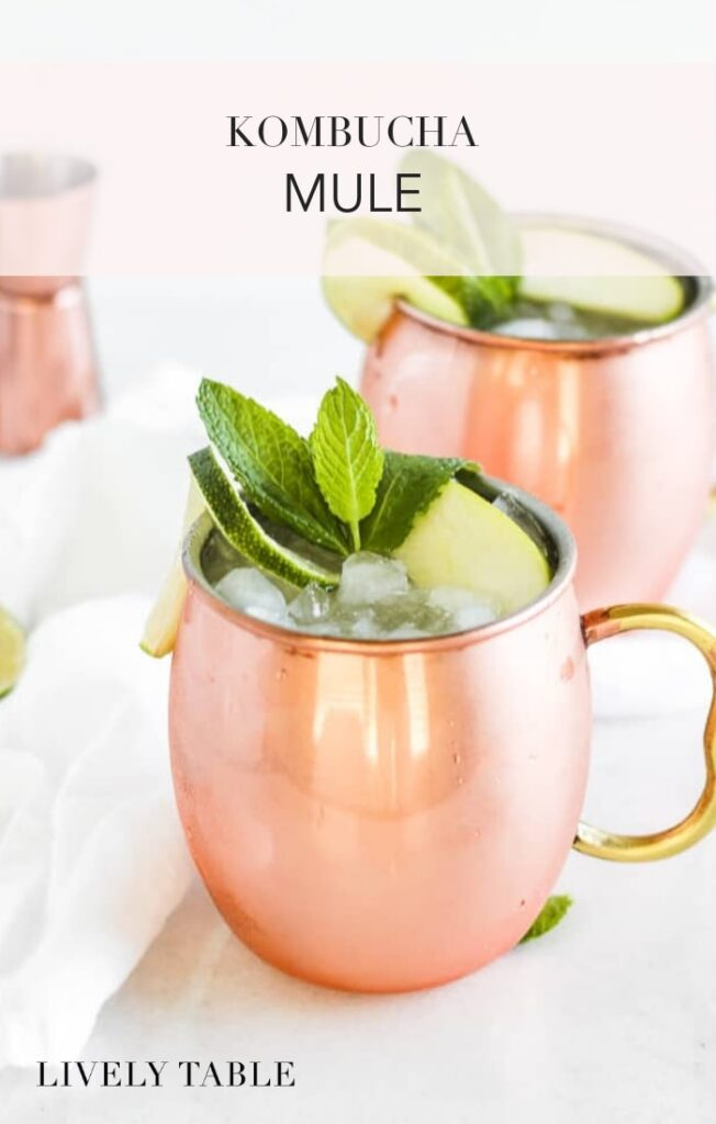 Enjoy a cocktail with probiotic benefits! This 3-ingredient gingery kombucha mule is a gut-healthy version of the refreshing Moscow Mule (alcoholic and non-alcoholic version). #cocktails #kombucha #moscowmule #mocktail #easy #drink