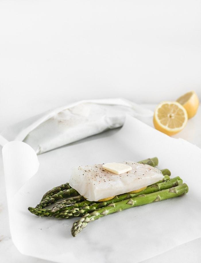 lemon asparagus fish en papillote